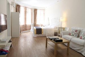 大连途家斯维登度假公寓(华南广场)高级市景单卧大床