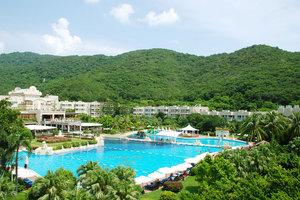 三亚亚龙湾凯莱仙人掌度假酒店(家庭池畔三人房)