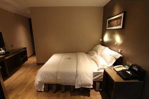 迎商酒店(广州中山八地铁站店)商选大床房-3小时