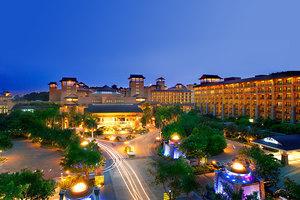 长隆酒店(广州长隆野生动物世界店)【9至10月】高级房+动物世界双人票