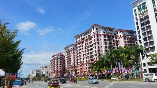 KK Marina Court Resort & Holiday Services Suites