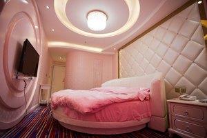 昆明雅撒主题酒店(10种房型-3小时)