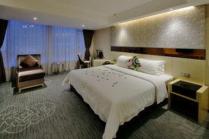 柏高酒店(广州白云路团一大地铁站店)4小时+免费饮品+免费停车