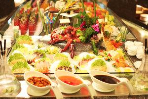 云南世博花园酒店(【5折狂欢价】世博花园酒店香草园自助餐)