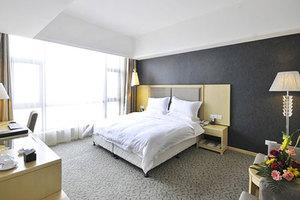 长沙湘府国际酒店(高级单人房+免费早餐2份)