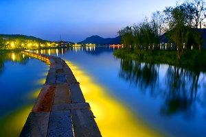 杭州萧山宝盛宾馆(高级房+双人湘湖游船/湘湖水景秀)