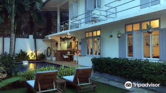 Dinsomon Hotel