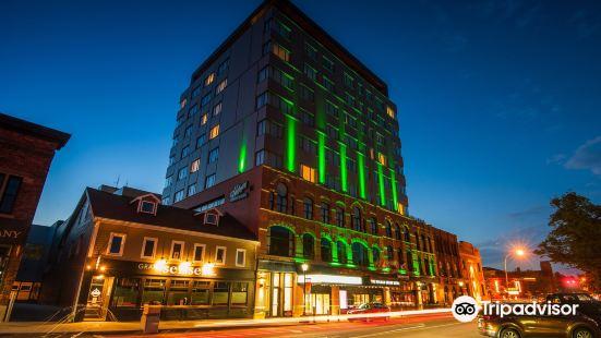 The Holman Grand Hotel