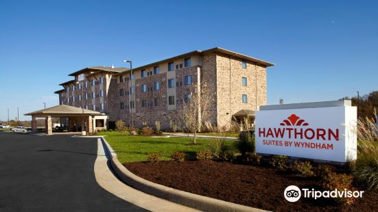 Hawthorn Suites by Wyndham Wheeling at The Highlands